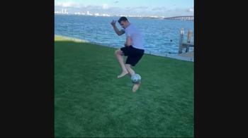 NBA, che numero di Goran Dragic: tacco e sinistro al volo