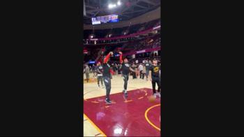 NBA, Matisse Thybulle imita Tobias Harris