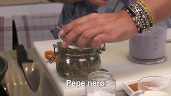 Senza Glutine – Orecchiette con vellutata di patate viola vongole e bottarga