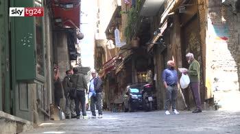 Fase 2, a Napoli gente in strada ma zero turisti