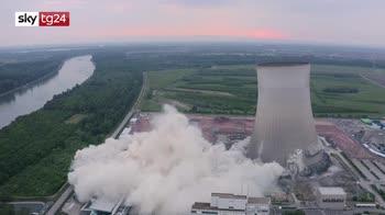 Germania, la spettacolare demolizione dell'impianto nucleare. VIDEO