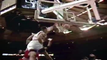 NBA, la schiacciata di John Starks su Jordan nel 1993