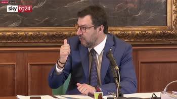 Salvini: flat tax per aiutare famiglie