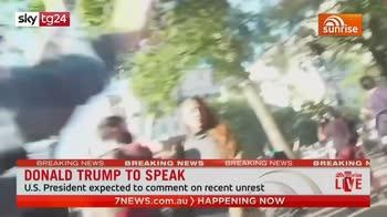 Washington, cameraman australiano colpito da polizia durante diretta