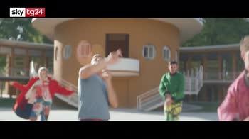 """Francesco Gabbani, nuovo video: """"Il sudore ci appiccica"""""""