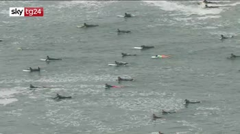 In California manifestazione dei surfisti per George Floyd