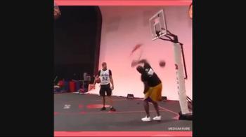 NBA, Shaq e Gronk, che show