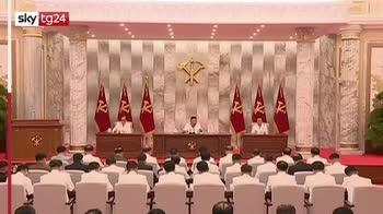 """Corea del Nord, Kim riappare: """"Brillante successo"""" contro Covid"""