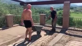 Ciccio-graziani-muratore-video-facebook