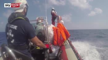 ERROR! Ocean Viking: odissea per i migranti, sono ancora in mare