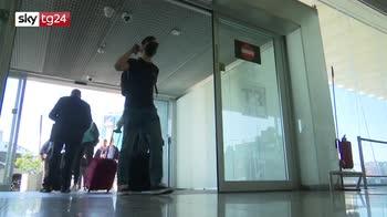 ERROR! Virus, 14 positivi su volo dacca roma, in corso test