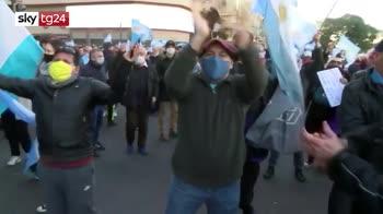 Argentina, giornalisti aggrediti dalla folla