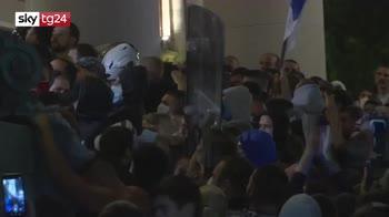ERROR! Dalla Francia a Israele, il virus rafforza il malcontento contro i governi