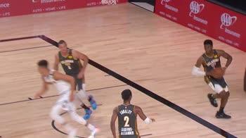 NBA, la tripla doppia di Nikola Jokic contro OKC