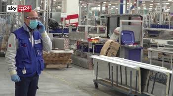 Sale la produzione industriale, ma è sotto del 14% sul 2019