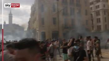 Beirut, proteste contro il governo dopo l'esplosione