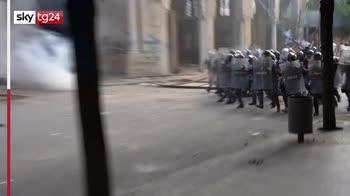 Beirut, guerriglia per le strade