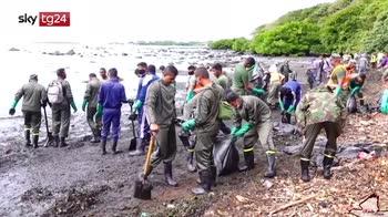 ERROR! Mauritius, petroliera incagliata, disastro ambientale
