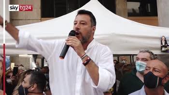 Salvini contestato ad Empoli a Gazebo Lega