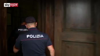 Ostaggio al Duomo di Milano: sequestra guardia, arrestato