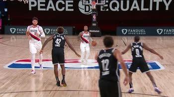 NBA Play of the Day Damian Lillard_2251562