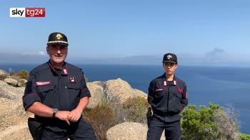 Carabinieri al lavoro sull'isola di Montecristo