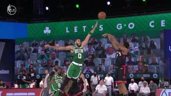 NBA, i 33 punti di Kyle Lowry contro Boston (gara-6)