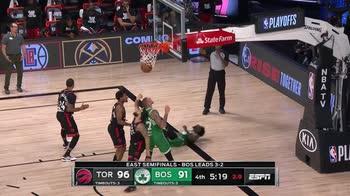 NBA, tripla doppia di Marcus Smart contro Toronto (gara-6)