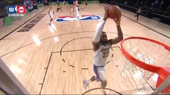 NBA, tripla doppia di LeBron James contro Denver