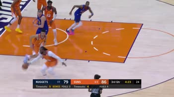 NBA, i 31 punti di Devin Booker contro Denver
