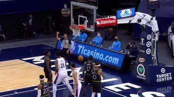 NBA, 37 punti per Joel Embiid contro Minnesota