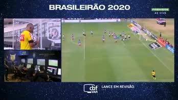 Brasile, Castan: calcio in faccia portiere. Espulso col Var