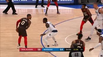 NBA, 34 punti di Damian Lillard contro Dallas