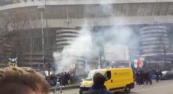 Inter, tifosi a San Siro prima del derby con il Milan