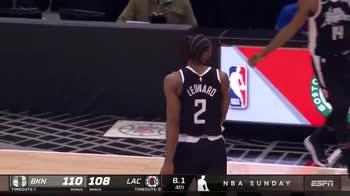 NBA: Leonard segna il pari, ma per gli arbitri è fallo