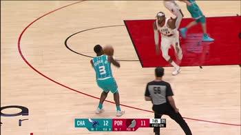 NBA, i 30 punti di LaMelo Ball contro Portland