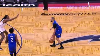 NBA, i 31 punti di Evan Fournier contro Brooklyn