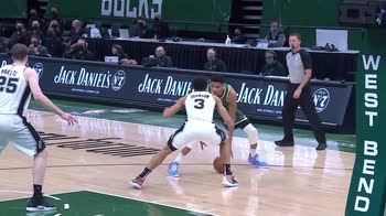 NBA, i migliori assist di Antetokounmpo contro gli Spurs