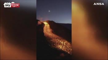 Russia, spettacolari eruzioni vulcaniche in Kamchatka
