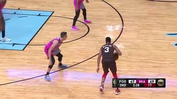 NBA, i 35 punti di CJ McCollum contro Miami