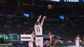 NBA, i 36 punti di Luka Doncic contro Boston