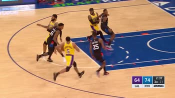 NBA, 34 punti di Julius Randle contro i Lakers