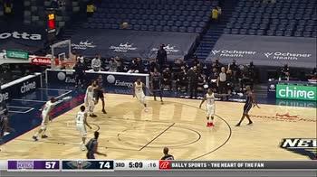 NBA, 43 punti di De'Aaron Fox contro New Orleans