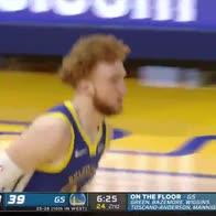 NBA, Nico Mannion da solo in contropiede perde palla