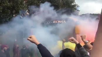 roma tifosi trigoria manchester video