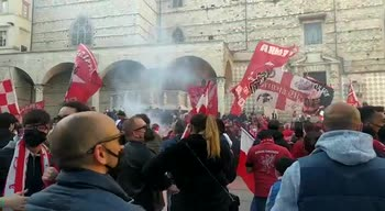 perugia-tifosi-citta-festa-video
