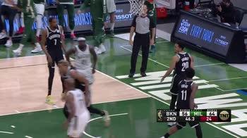 NBA, 36 punti di Giannis Antetokounmpo contro Brooklyn