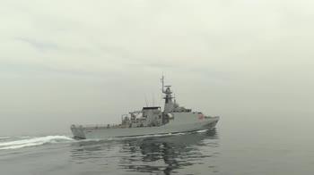 La Royal Navy prova il nuovo jetpack. VIDEO