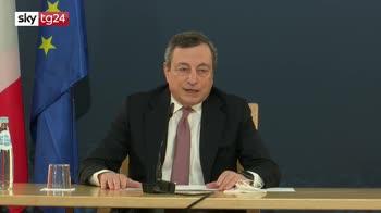 Vaccino, Draghi: liberalizzare i brevetti non garantisce la produzione