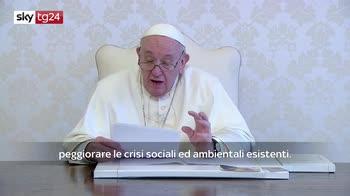 Papa: sospendere brevetti vaccino, accesso a tutti